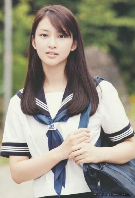 日本女生校服为什么是水手服?