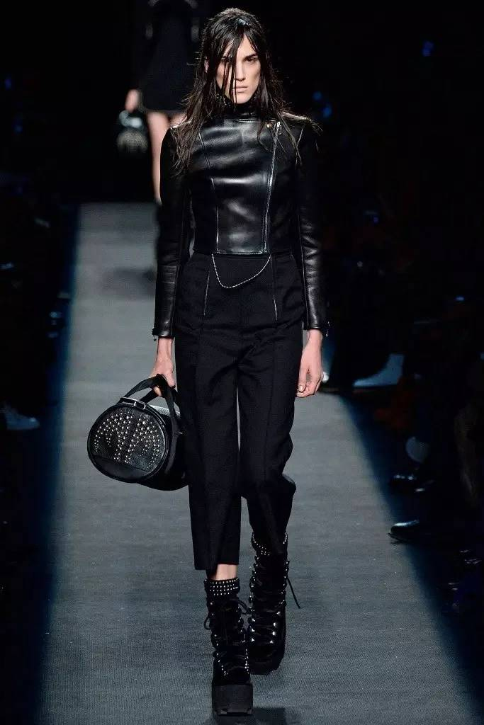 服装设计,一个关乎时尚的代名词,个性,品味,审美,创意的交汇点.